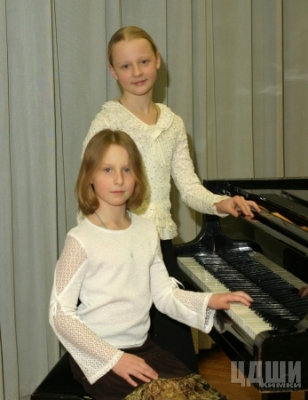 Фортепианный дуэт Разореновы Маша и Настя