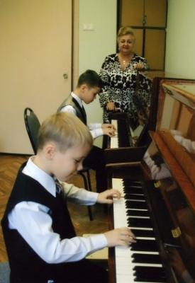 Фортепианный дуэт братьев Валентина и Антона Шалгачевых
