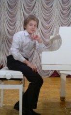 Пианист Иван Головко