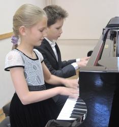 Пианист Михаил Устьянцев